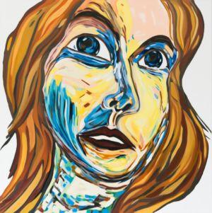 Retrato de una mujer de pelo largo y rubio, en lágrimas.