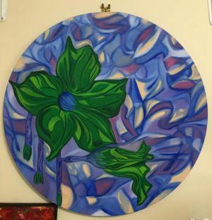 Tableau rond, d'une nature morte, avec fleur, et décor de fond, à effet vitrail.